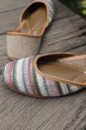 Quentin Handcrafted Jacquard Juttis
