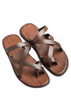Flat criss-cross textured brown sandals