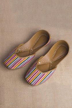 Gulmohar Linen Striped Juttis