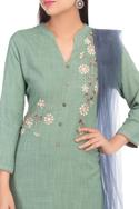 Resham thread Embroidered Kurta Set