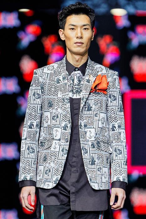 Printed blazer jacket with chest pocket