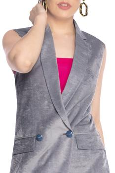 Lapel Collar Sleeveless Jacket