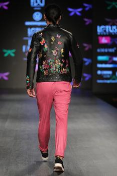 Zippered jacket with t-shirt & pants