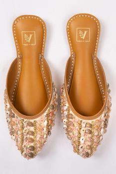 Embroidered Open-Back Juttis