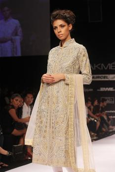 Off white embroidered straight kurta set