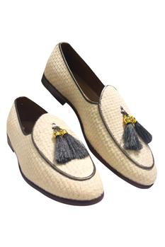 Loafers With Tassel Detailing
