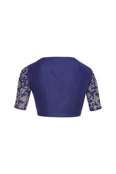 Embroidered saree blouse with keyhole