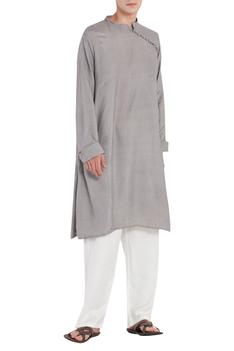 Kurta with loophole buttons