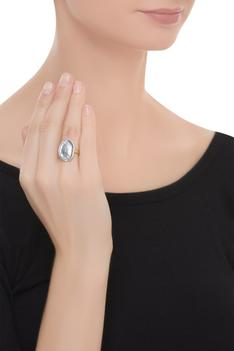 Uneven coin ring