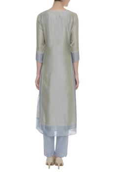 Embroidered kurta with inner