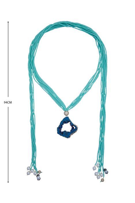 Layered bead neckpiece