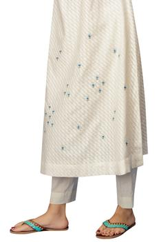 Embroidered Kurta Set with cape
