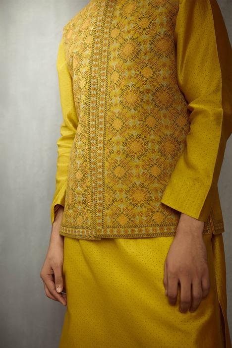 Silk Embroidered Bundi