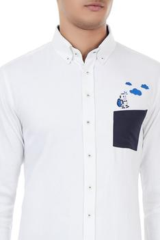 White cotton robot embroidered shirt