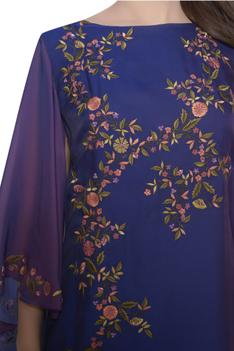 Floral embroidered kurta with flared sleeves