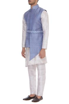 Asymmetric raw silk bundi