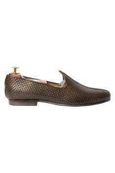 Handcrafted Woven Juttis