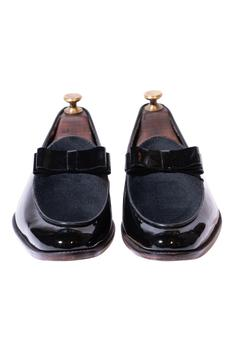 Handcrafted Bow Loafers