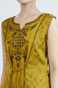 Chanderi Silk Embroidered Kurta with Jacket