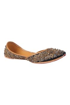 Sequin Embroidered Juttis