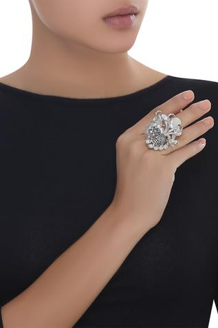 Crystal studded adjustable ring