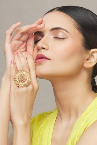 Nayaab by Aleezeh Floral Stone Ring