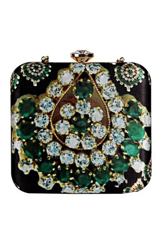 Zardozi & hand embroidered pearl clutch