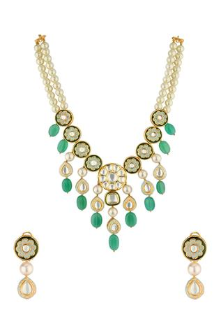 Kundan Pendant Necklace Set
