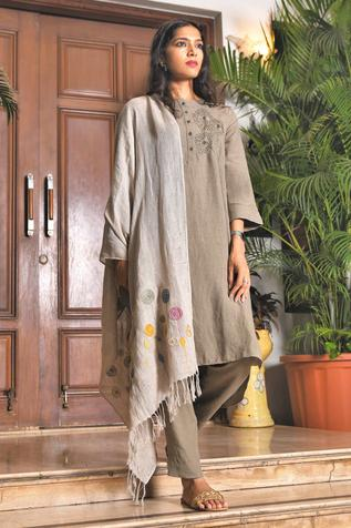 Linen Bloom - Accessories Linen Embroidered Stole