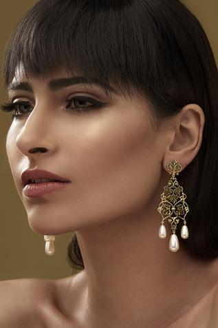 Eina Ahluwalia Bead Earrings
