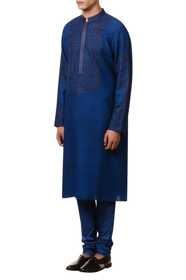 Long embroidered kurta