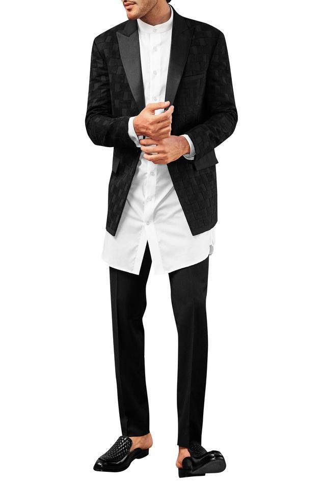 Peak Lapel Suit With Shirt