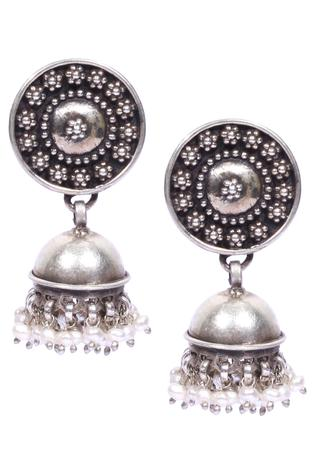 Jhumkis with snap closure