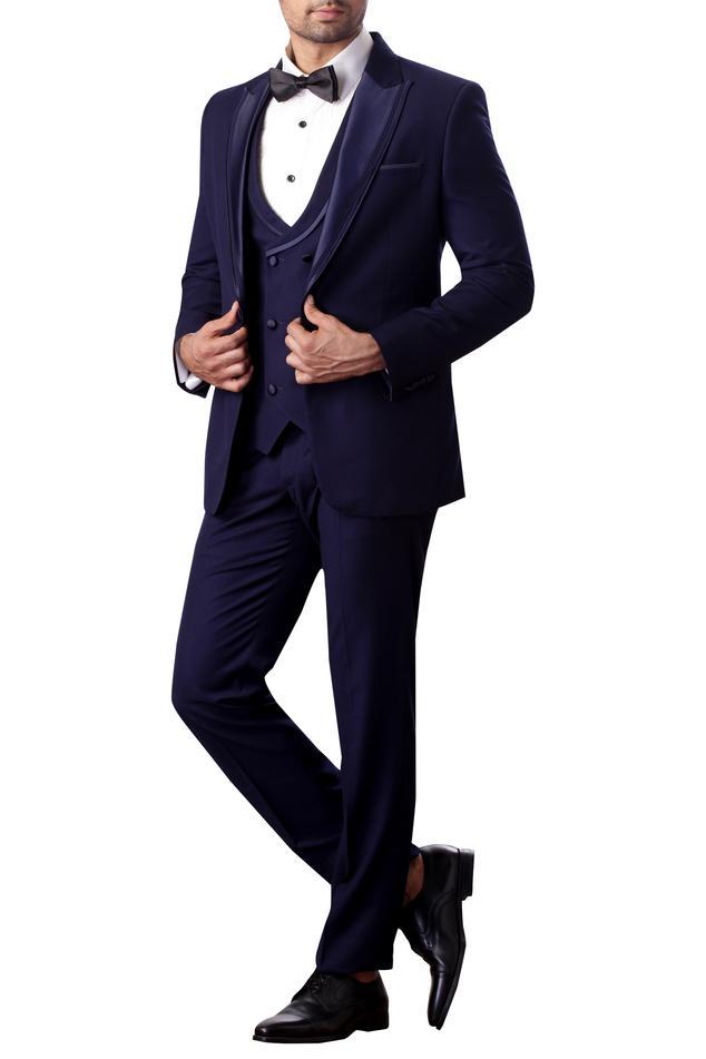 Peak collar tuxedo set
