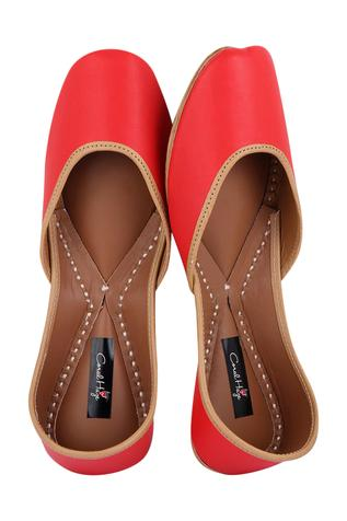 leather-red-juttis