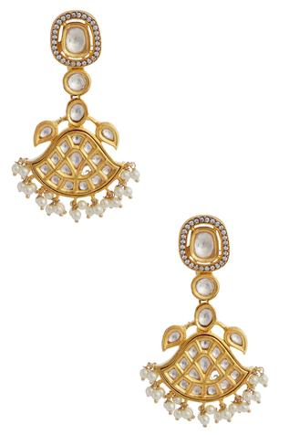 Kundan & bead earrings