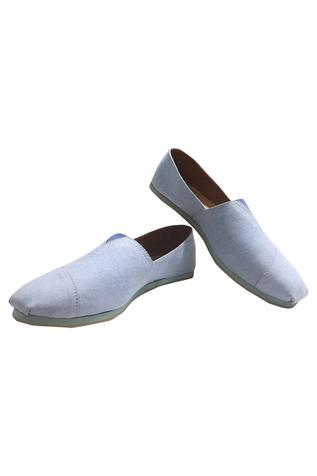 Handcrafted fabric shoes