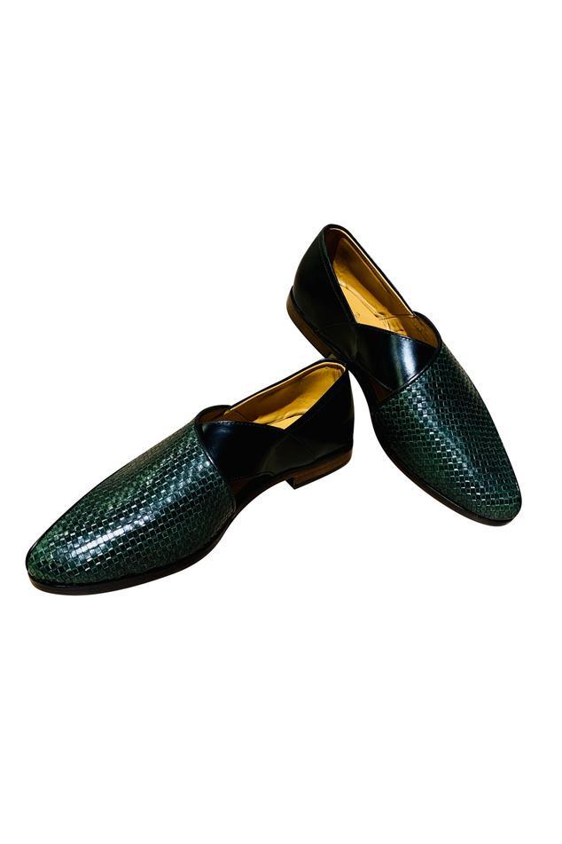 Woven peshawari shoes