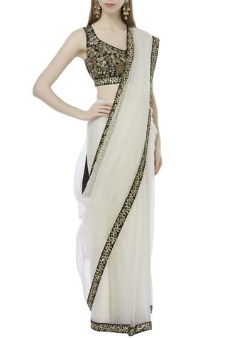 Bordered Saree with Blouse