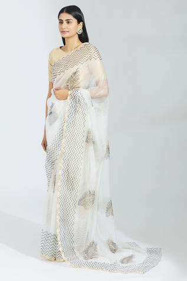 Organza Saree with Running Blouse Fabric