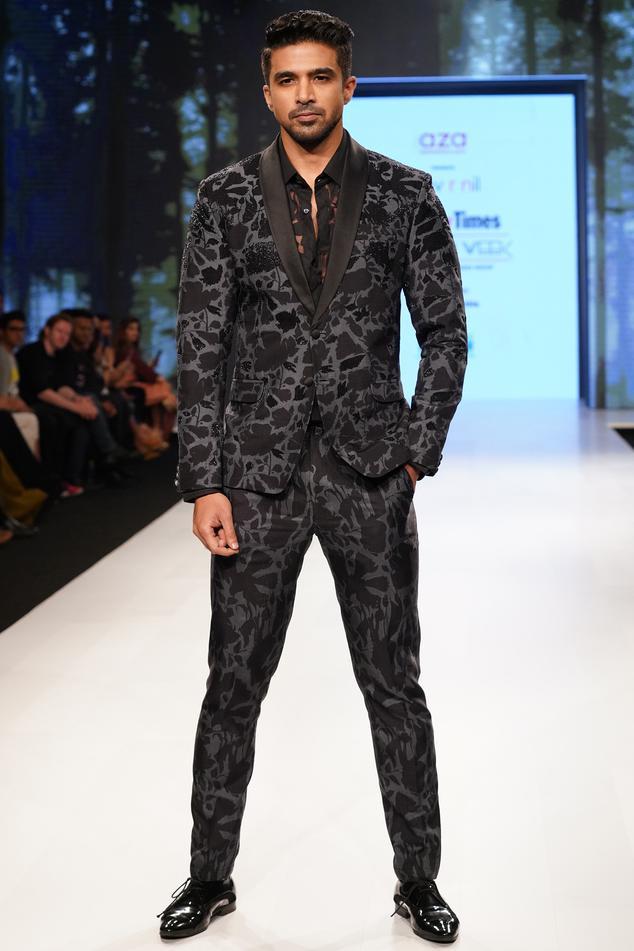 Embellished Tuxedo Pant Set