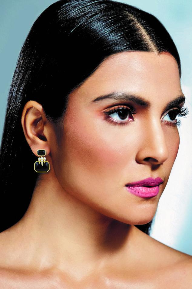 Geometric patterned earrings