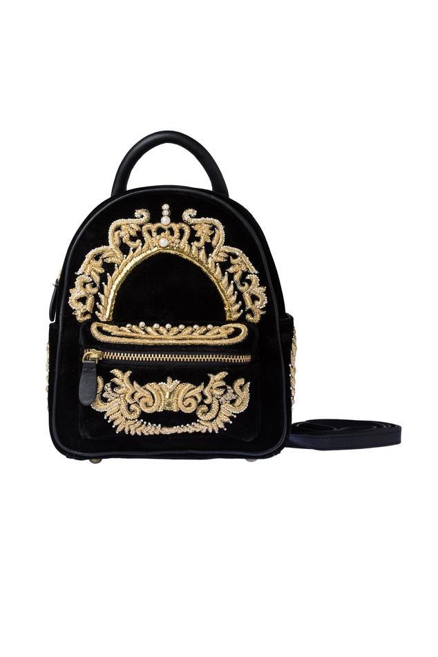 Black bagpack with zardozi