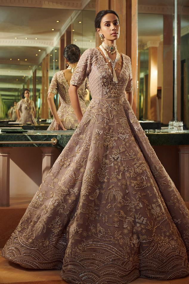 Rangreja Gown