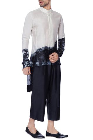 Black mini flared loose chanderi trousers