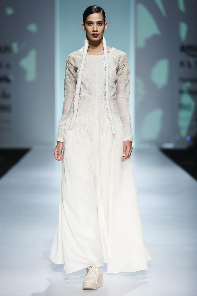 White noil work jacket dress