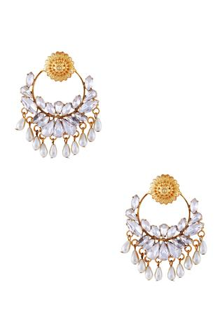 Gold jharokha inspired pearl earrings