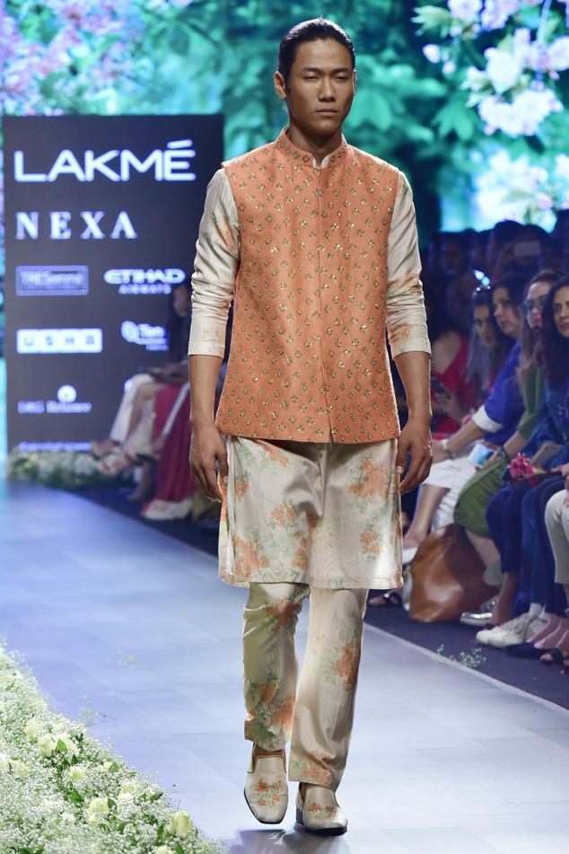 Beige silk dahlia print kurta with pleated pants