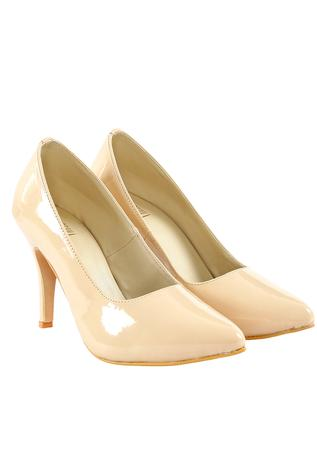 Nude beige patent leather pumps