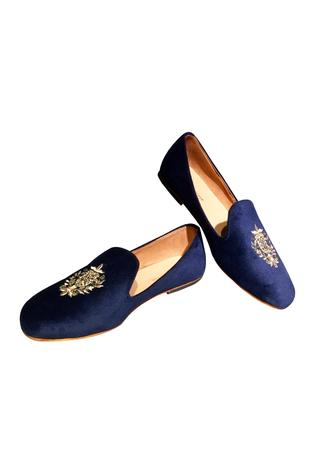 Blue velvet embroidered loafers